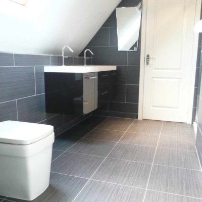 bascs bathroom contemporary style grey tiles on floor and walls