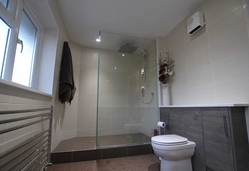 bascs bathroom shower ensuite