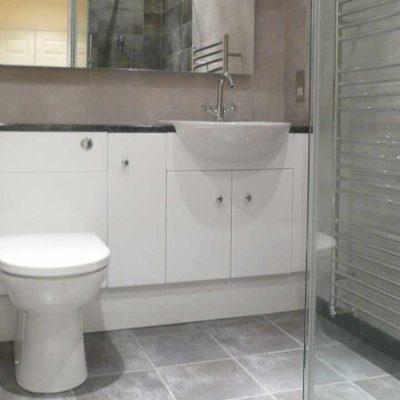 bathroom toilet and sink bathroom toilet and sink - BASCS in Swindon